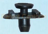 06-071 Volkswagen, Audi, Seat gumiszegély  rögzítő patent.  Gyári cikkszám:  8L3837199B