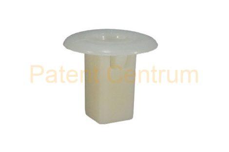 08-015   TOYOTA  négyszög műanyag anya.  Furat: 8,5*8,5 mm,   Gyári cikkszám: 9018906005