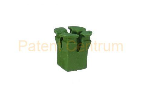 08-021    ALFA, FIAT, LANCIA,  IVECO,  négyszög műanyag anya. Furat: 8*8 mm,  Szín: zöld  Gyári cikkszám: FIAT: 14202383, IVECO: 17892580