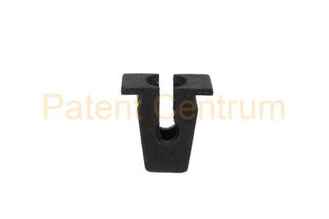 08-053     VOLKSWAGEN, AUDI,  dobbetét, lökhárító patent, négyszög műanyag anya.  Furat: 7,5*7,5 mm,     Gyári cikkszám: 811807577C