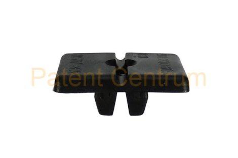 08-068    FIAT PANDA 2003 lökhárító rögzítő patent.   Furat: kb: 10*10 mm.  Gyári cikkszám: 51758951